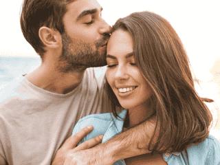 ニコニコ笑顔にマジ惚れ♡【愛想がいい女性】の特徴