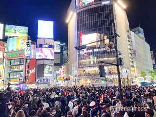渋谷ハロウィン、警察官多数で厳戒態勢 仮装激減でセンター街にも変化