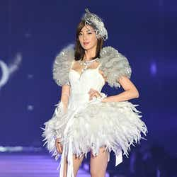 モデルプレス - AFTERSCHOOL・ジュヨン、純白ランジェリーで圧巻の美ボディ披露