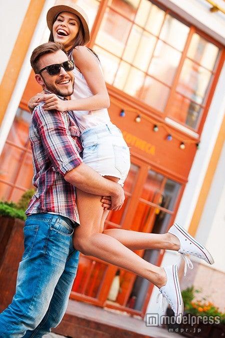 男性のハートを一瞬でキャッチする女性5の恋愛テクニック/(Photo by gstockstudio/Fotolia)
