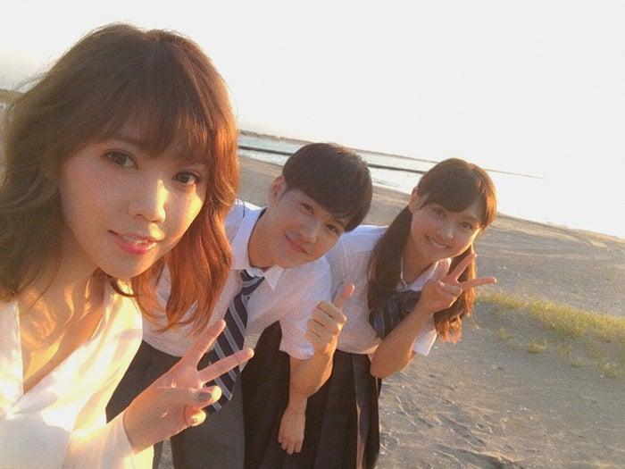 <モデルプレス独占写真>(左から)MACO、葉山奨之、松元絵里花