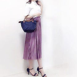 ドレープがきれいなサテンで着痩せ見え!揺れ感がきれいなサテンのスカート&パンツ8選