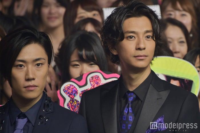 (左から)早乙女太一、三浦翔平 (C)モデルプレス