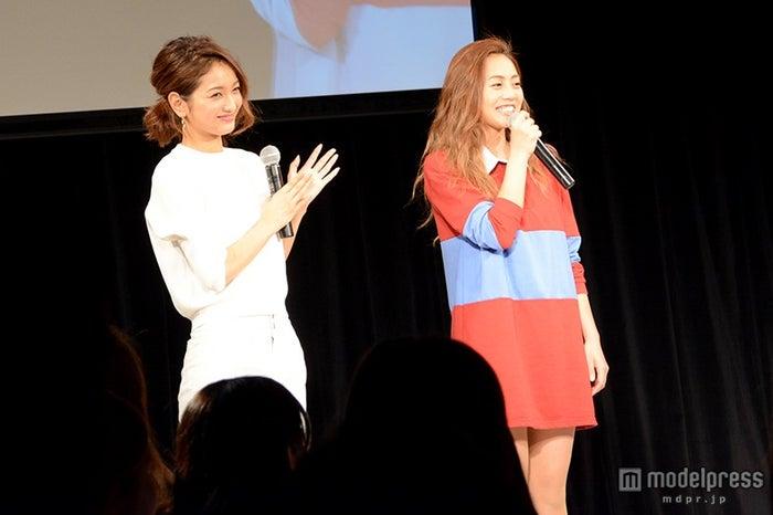 (左から)安井レイ、広瀬麻伊