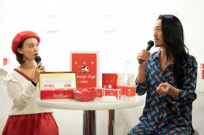 (左から)柴田紗希、JunJun