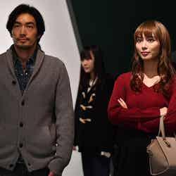 大谷亮平、内田理央「逃げるは恥だが役に立つ」第10話・場面カット(C)TBS