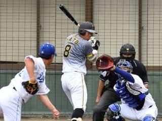 阪神・佐藤輝は死球 チームは大野雄から初回に3点を先制
