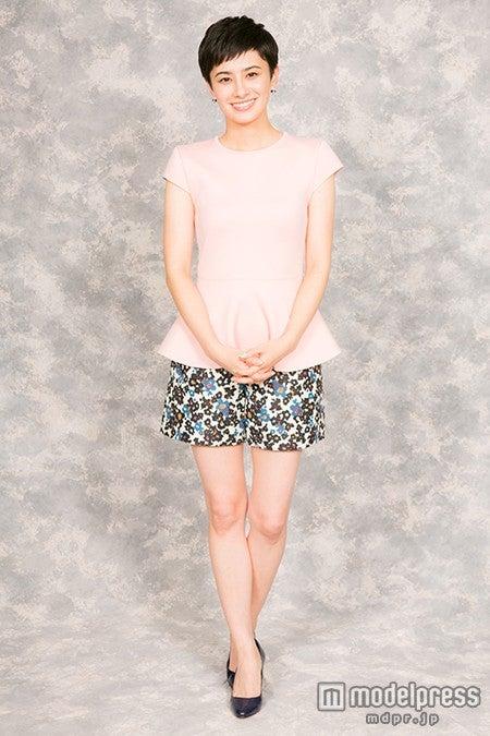 千秋 ミニスカ ホラン