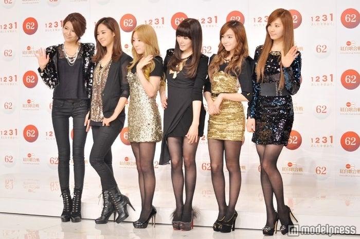 少女時代(左から:スヨン、ユリ、テヨン、ティファニー、ジェシカ、ソヒョン)※写真は「第62回 紅白歌合戦」出場歌手発表会見で撮影