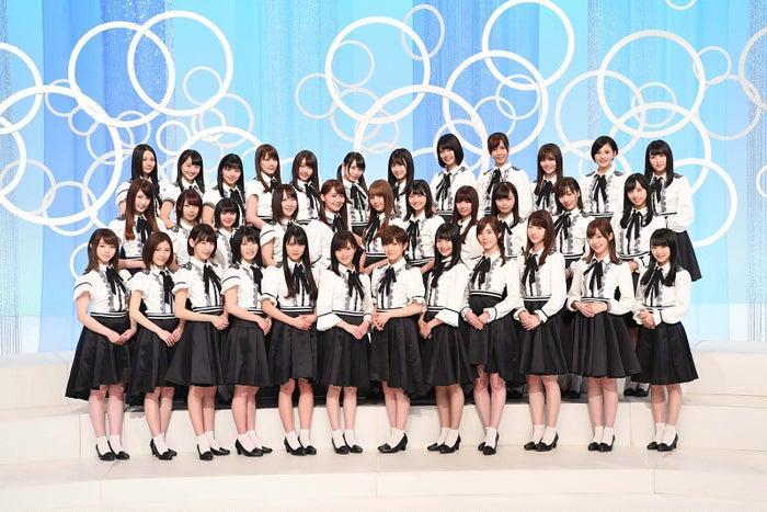 中学校の部・課題曲「願いごとの持ち腐れ」を担当するAKB48・Nコン選抜メンバー(C)AKS<br>