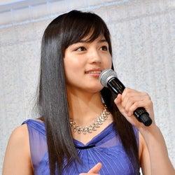 山田涼介×川口春奈、マレーシアで再びタッグ