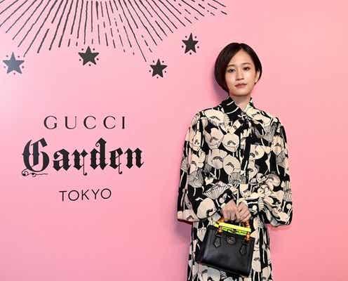 前田敦子、モノトーンコーデでフォトコールに出席「シックな感じで決めさせていただきました」