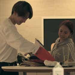 流佳、莉咲子「TERRACE HOUSE TOKYO 2019-2020」4th WEEK(C)フジテレビ/イースト・エンタテインメント