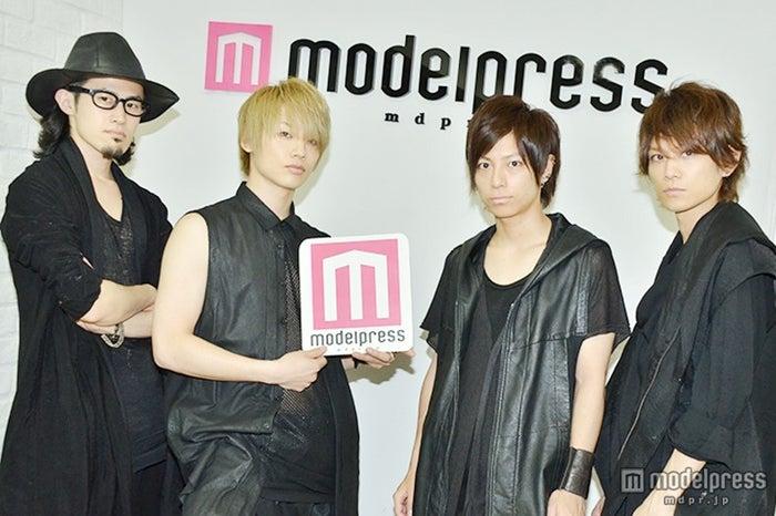 「ThinkingDogs」/(左から)わちゅ~、TSUBASA、大輝、Jun