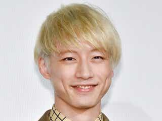 """坂口健太郎""""目立ちたがり屋""""の青春時代明かす 「かっこいい」「戦いたい」の声に赤面"""