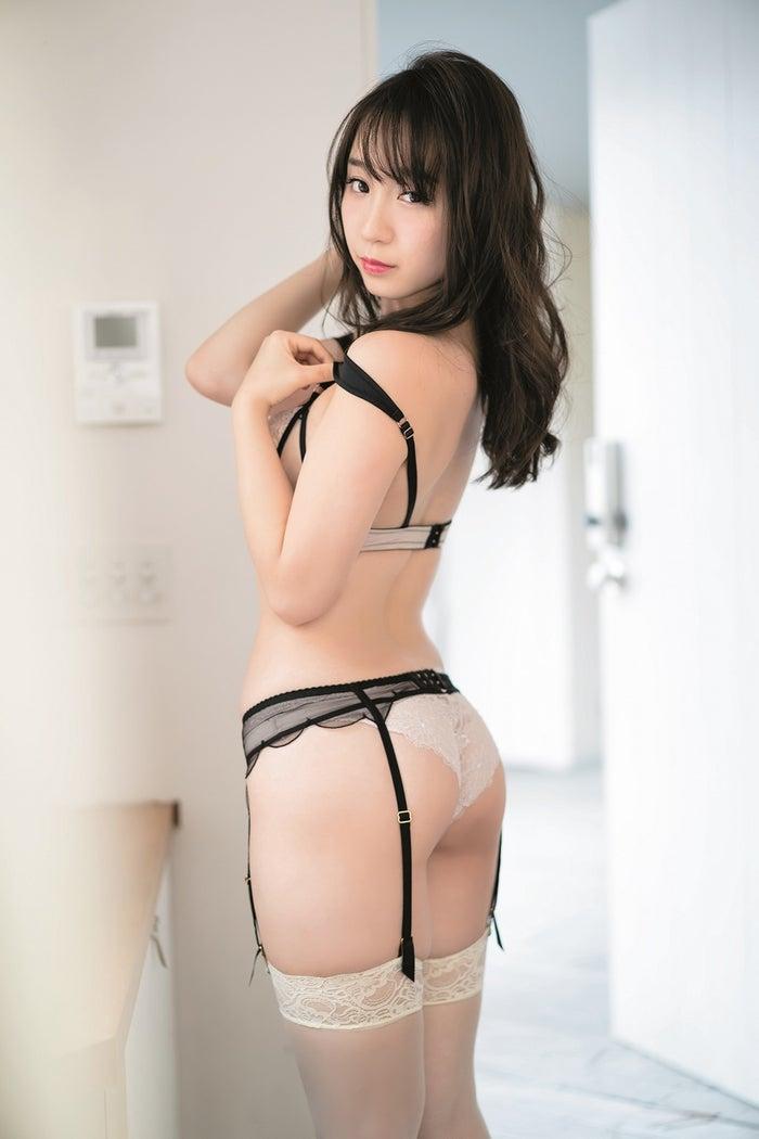 伊織もえ(C)HIROKAZU/集英社