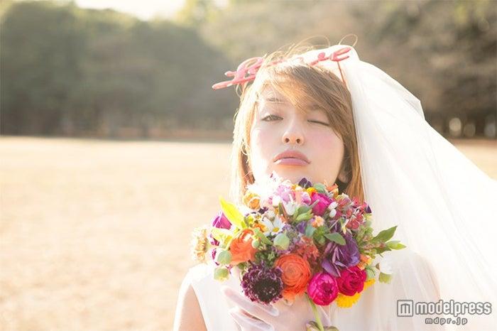 結婚を発表した大石参月/「ViVi」3月号より(講談社)【モデルプレス】