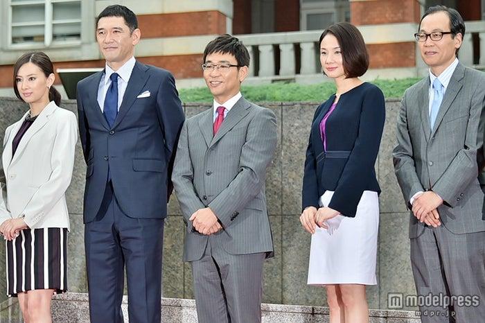 左から:北川景子、杉本哲太、八嶋智人、吉田羊、正名僕蔵