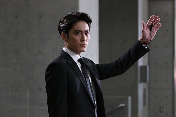 間宮祥太朗/「BG~身辺警護人~」第1話より(C)テレビ朝日