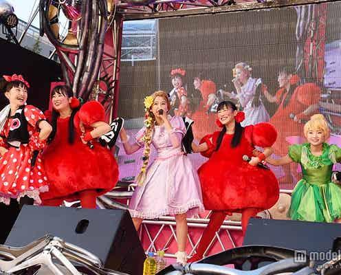 ももクロ、キュートなハロウィン仮装で全力熱唱 大規模パレードで笑顔ふりまく