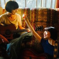 小松菜奈&門脇麦、ギターデュオでメジャーデビュー決定 あいみょんらが楽曲提供<さよならくちびる>