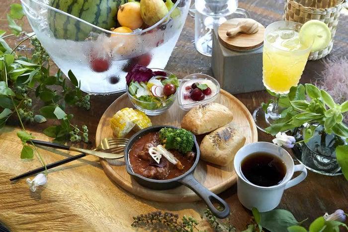朝食/画像提供:日比谷花壇