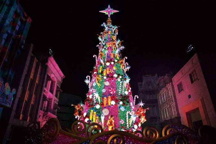 USJのクリスマスツリー(提供画像)
