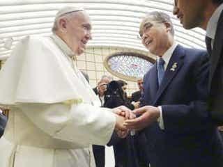 長崎知事が教皇謁見参列 バチカンで被爆地訪問に謝意