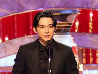 吉沢亮、最優秀助演男優賞を受賞 山崎賢人との絆語る「一番最初に連絡が来た」<第43回日本アカデミー賞>