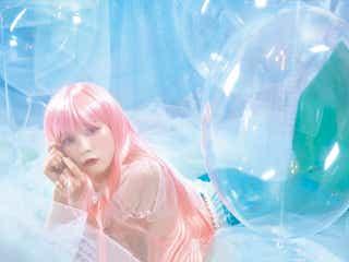 =LOVE齊藤なぎさ、ピンク髪の人魚・メイド・チャイナ・寿司職人など30変化披露