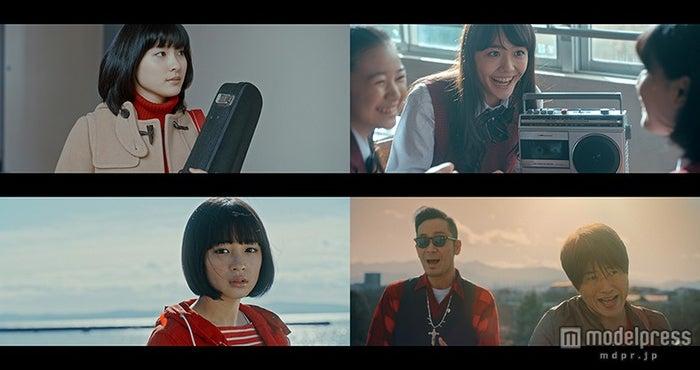 土屋太鳳(左上)、松井愛莉(右上)、広瀬すず(左下)がコブクロ(右下)のPVに出演【モデルプレス】