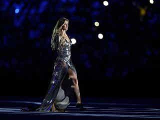 """リオ五輪開会式で""""最後のランウェイ""""披露のスーパーモデルが話題 世界を魅了した美女とは?"""