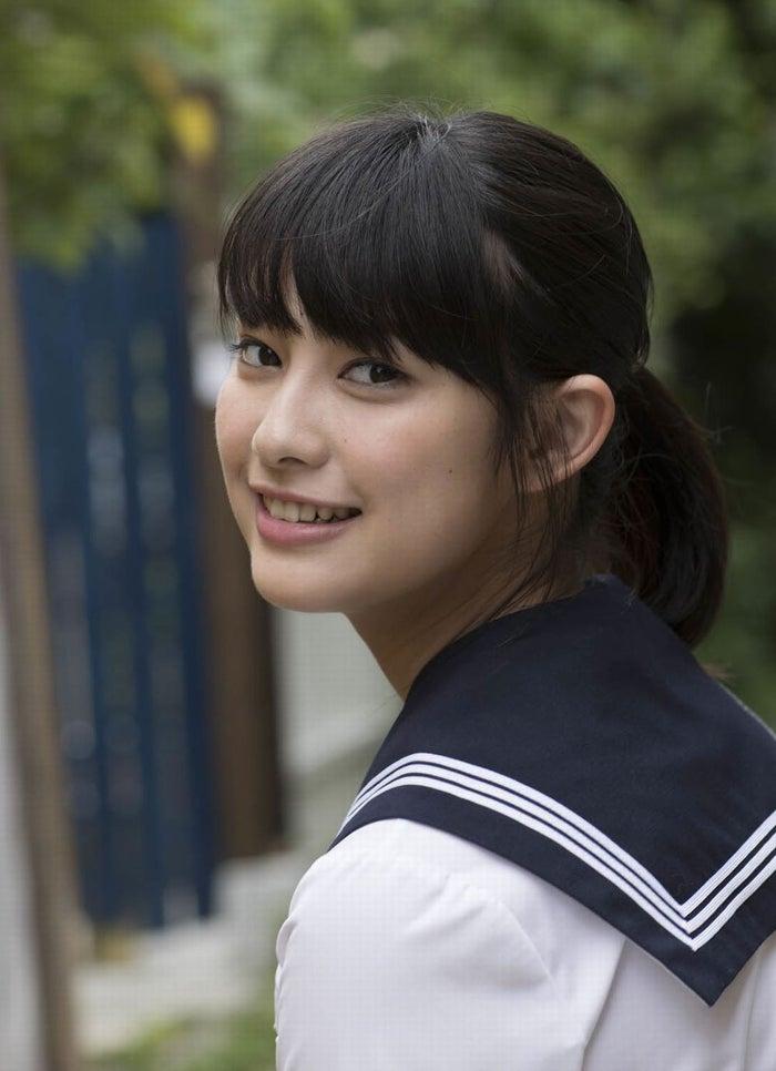 玉田志織・初の写真集『はじめまして 16歳』より(画像提供:ワニブックス)