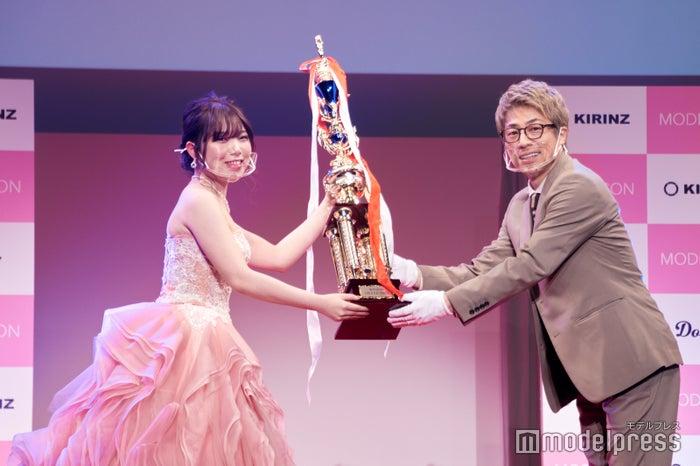 ロンブー田村淳も期待「違う現場でも一緒に」 日本最大級モデルコンテストのグランプリ発表<「MODECON」グランドフィナーレ授賞式> (C)モデルプレス