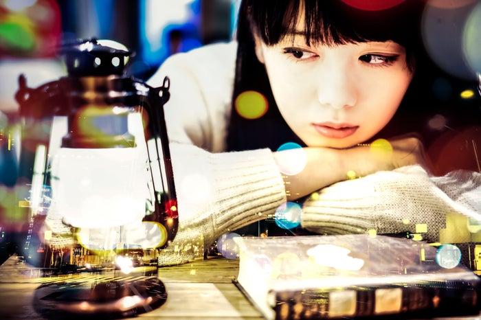 無防備な姿に愛おしさを感じるはず/Photo by ぱくたそ