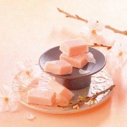 """人気の生チョコに """"桜味"""" が登場!ロイズの桜スイーツで春を先取り♪"""