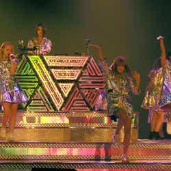 (左より)Ami、Erie、須田アンナ、鷲尾伶菜/画像提供:avex