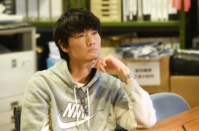 綾野剛/「MIU404」第3話より(C)TBS