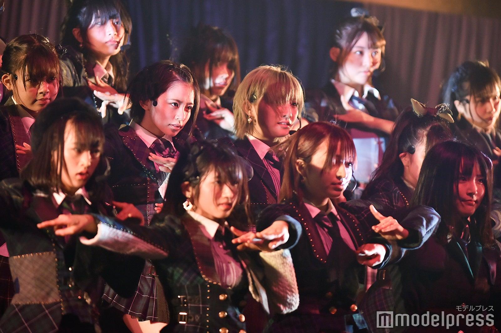 【悲報】チーム4コンサートでまさかのサイレントマジョリティー歌唱でヲタ激怒