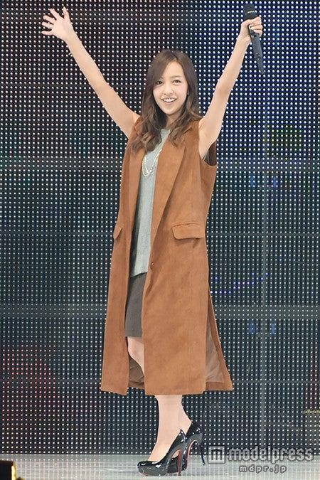 「神戸コレクション2015 A/W」に出演した板野友美【モデルプレス】