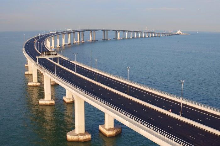 世界最長の海上橋「港珠澳大橋」...