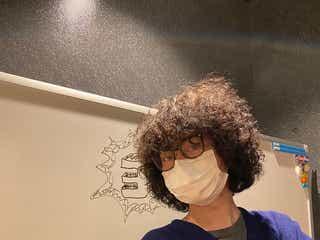 菅田将暉、アフロヘア姿披露に「触りたくなる」「進化し続けてる」の声