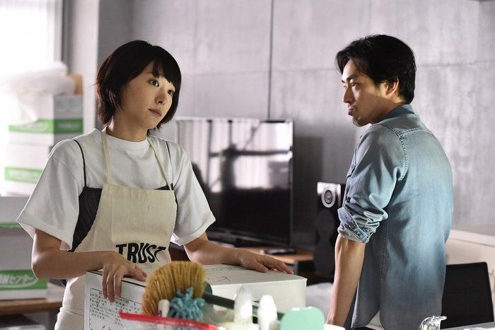 新垣結衣、大谷亮平「逃げるは恥だが役に立つ」第4話・場面カット(C)TBS