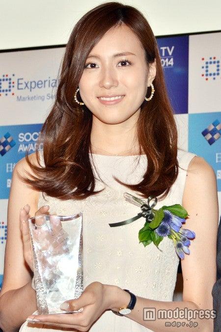 「ソーシャルテレビ・アワード2014」の発表贈賞式に出席したTBS笹川友里アナウンサー