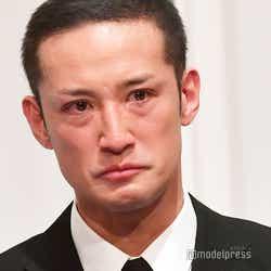 モデルプレス - TOKIO松岡昌宏、会見で涙 山口達也へ厳しい言葉「そんなTOKIOは一日も早くなくしたほうが良い」