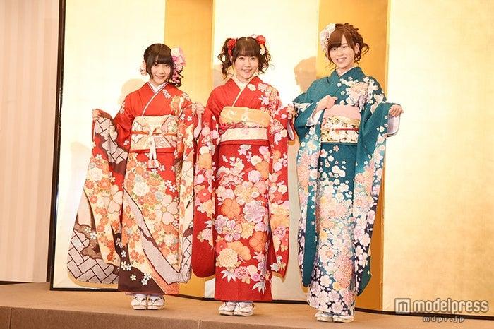 HKT48(左から)山田麻莉奈、多田愛佳、坂口理子