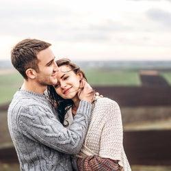 もうちょっとこのままがイイ。女性がとろんとする「抱きしめ方」