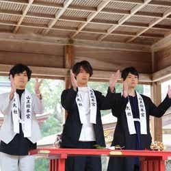 (左から)桐山漣、福士蒼汰、古川雄輝(C)2018映画「曇天に笑う」製作委員会(C)唐々煙/マッグガーデン