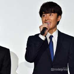 (左から)荒牧慶彦、富田健太郎 (C)モデルプレス