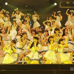 モデルプレス - AKB48グループ研修生103人が迫力のパフォーマンス